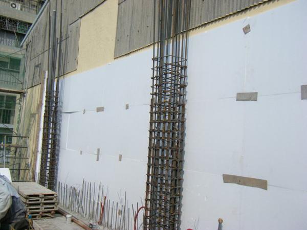100104-二樓養護5及三樓外模組立06