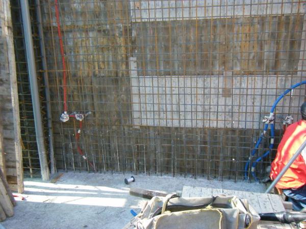 100106-二樓養護7及三樓牆壁鋼筋水電作業02