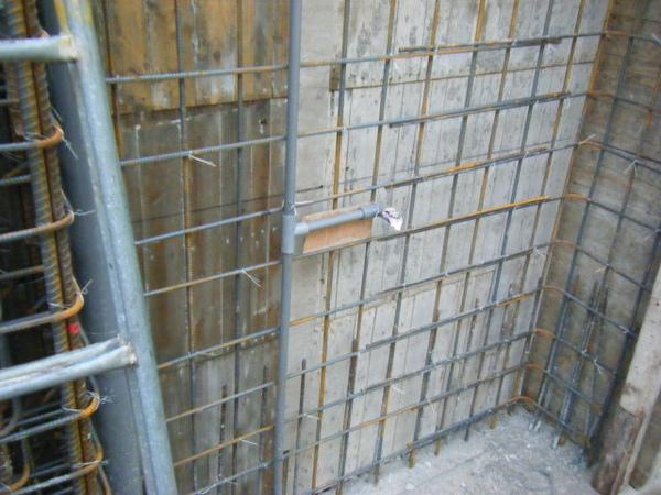 100106-二樓養護7及三樓牆壁鋼筋水電作業04