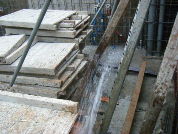 100106-二樓養護7及三樓牆壁鋼筋水電作業06