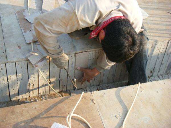 100115-三樓頂板組立09