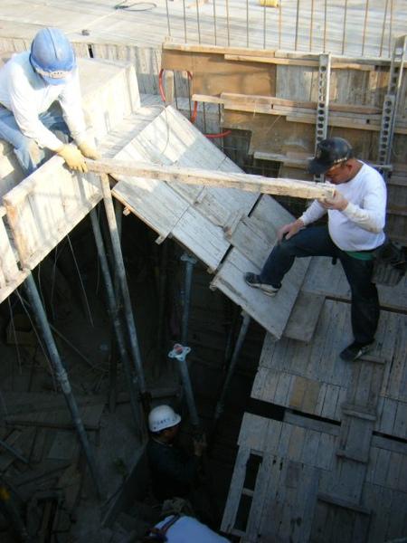 100115-三樓頂板組立10