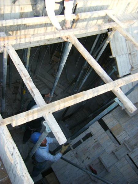 100115-三樓頂板組立15