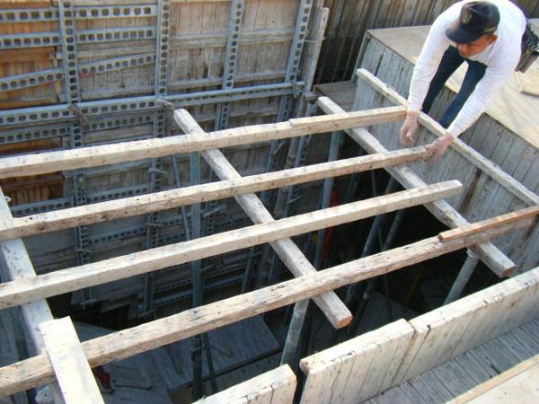 100115-三樓頂板組立17
