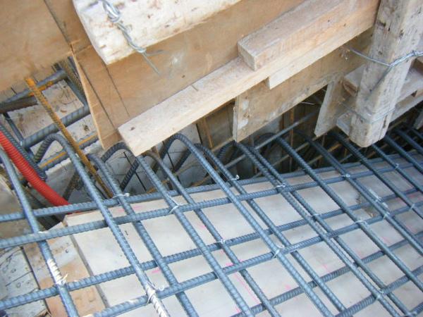100116-三樓頂板鋼筋及水電作業04