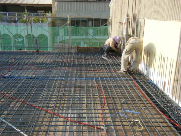 100116-三樓頂板鋼筋及水電作業07