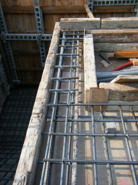 100116-三樓頂板鋼筋及水電作業14