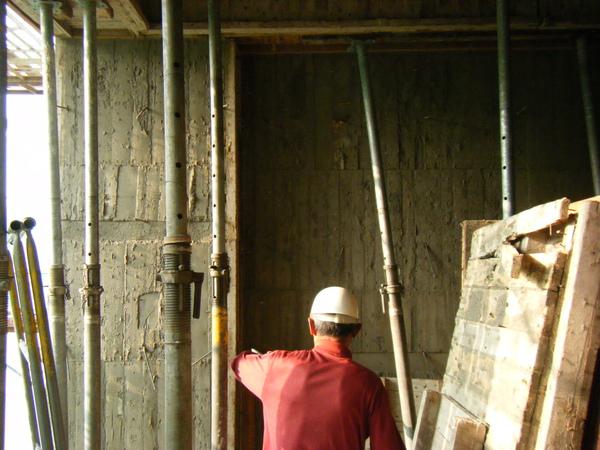 100122三樓養護2及拆除側模07