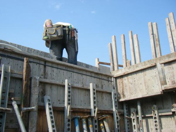 100207-養護五+屋突牆內模+屋突頂板模板10.JPG