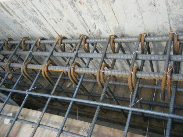 100208-養護六+屋突頂板水電+屋突頂板鋼筋綁紮04.JPG