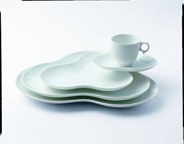 Hana Plate-L.M,U type Demitasse C& S.jpg