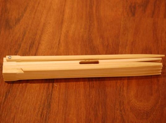 readymade-ipad-chopstick-stand-2.jpg