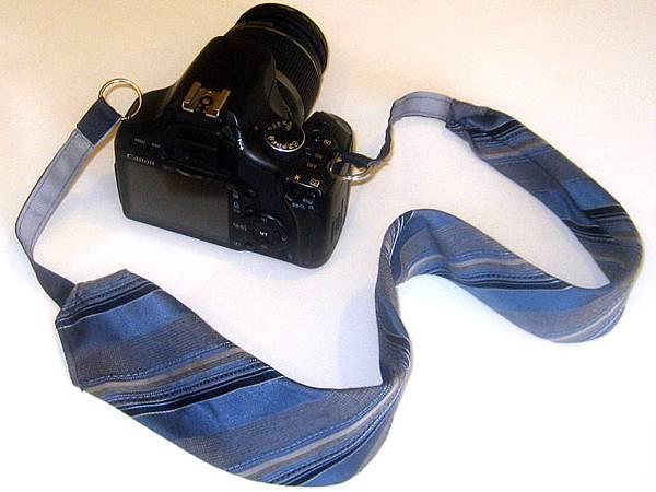 necktie-camera-strap-1.jpg