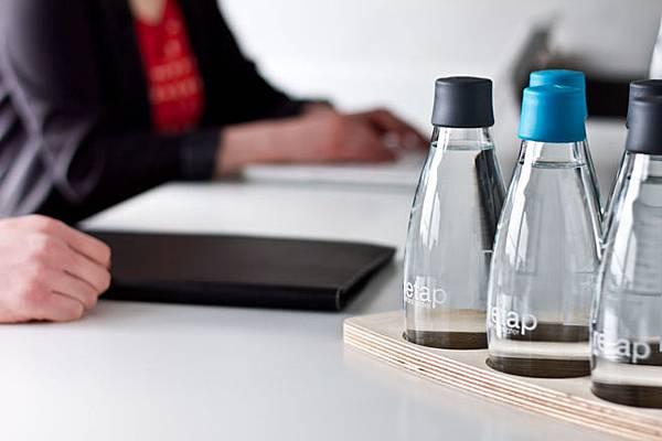 retap_refillable_water_bottles_2.jpg