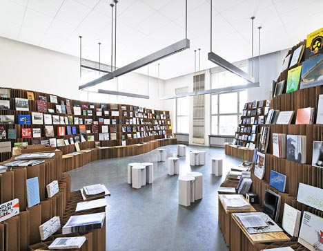 dzn_UdK-Bookshop-Bookshop-2010-3