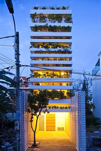 dezeen_Stacking-Green-by-Vo-Trong-Nghia_4