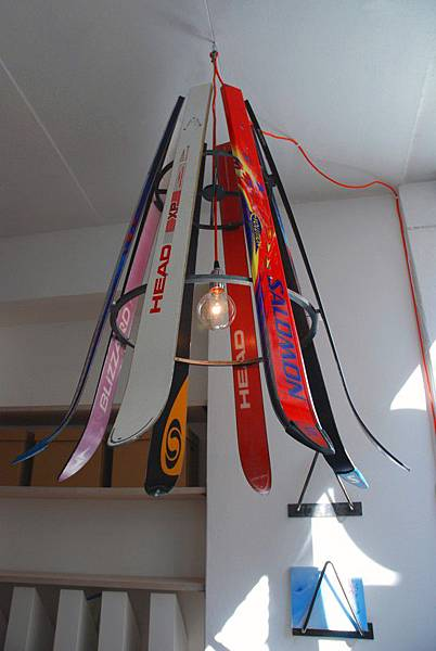 ski-chandelier01-640x956