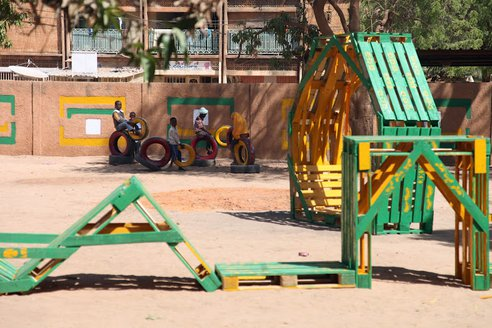 recycled-playground-naimey-africa-4.JPG.492x0_q85_crop-smart
