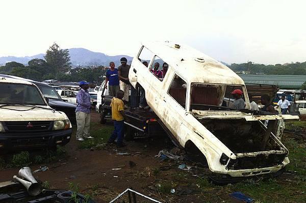 ambulance-playground-in-malawi-01