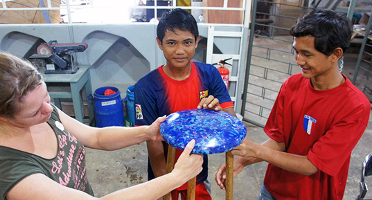 ffrash-recycled-furniture-indonesia-3
