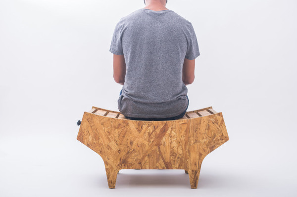 notwaste-eco-friendly-stool-by-Christian-Vivanco-4-600x399.jpg