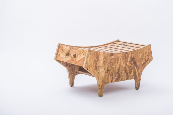 notwaste-eco-friendly-stool-by-Christian-Vivanco-1-600x399.jpg