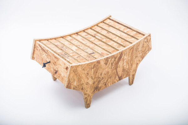 notwaste-eco-friendly-stool-by-Christian-Vivanco-2-600x399.jpg