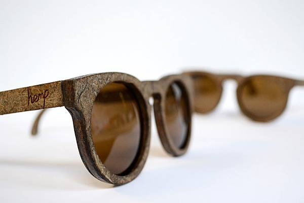 hemp-glasses-designboom01.jpg