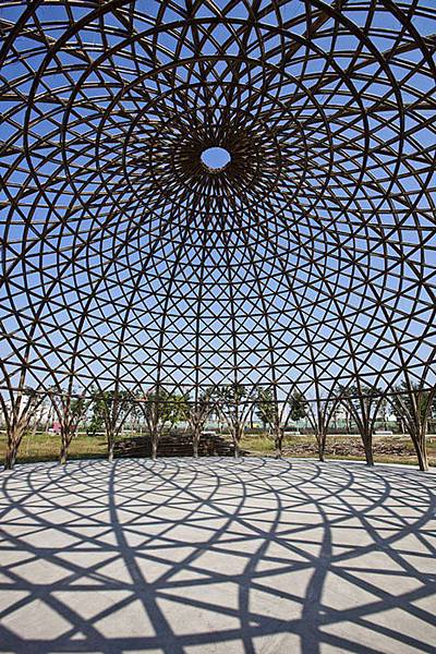bamboo-domes-diamond-island-community-hall-Vo-Trong-Nghia-5.jpg.650x0_q85_crop-smart.jpg