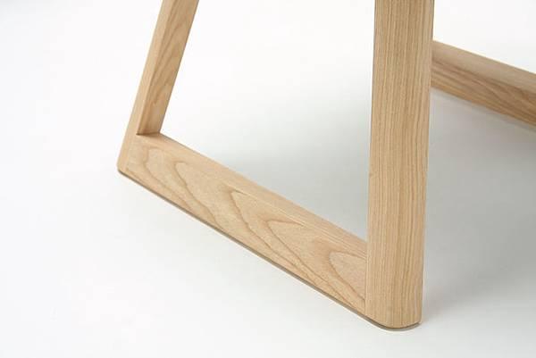 national-stadium-chairs-tokyo-stool-2.jpg
