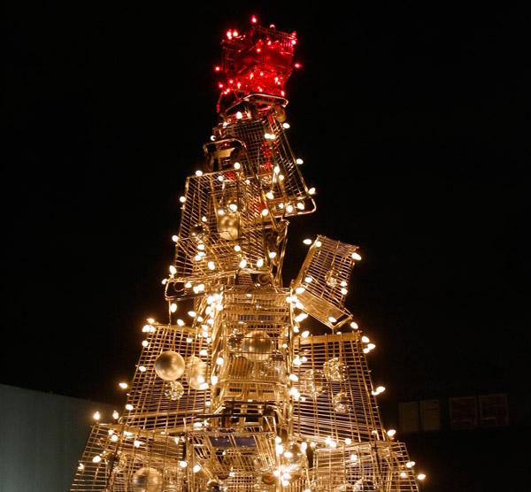 shopping-cart-holiday-tree-7.jpg