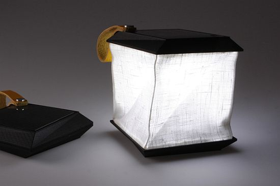 solar-powered-collapsible-lamp-by-jesper-jonsson_1_TdMNj_69.jpg