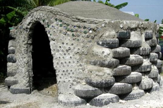 Haiti-Earthship-9b.jpg