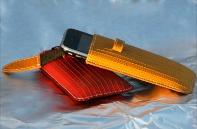 iPhone_case_red_and_yellow_2_main.JPG