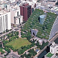 acros-giant-green-roofed-pyramid-in-japan-7.jpg