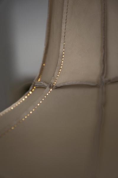 Leather-Lampshade-Studio-Pepe-Heykoop-detail-seam.jpg