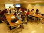 99/7/20 中午在教室看影片、用餐、做DIY活動