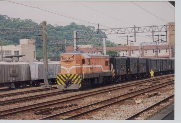 19990714南港站貨列.jpg