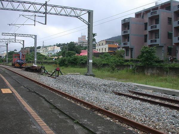 三義站路線終點,不知為什麼要設止衝擋而不讓路線接通