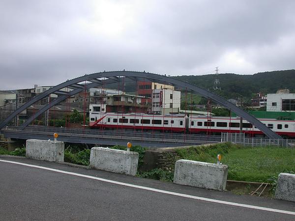 新蓋的橋+EMU1200