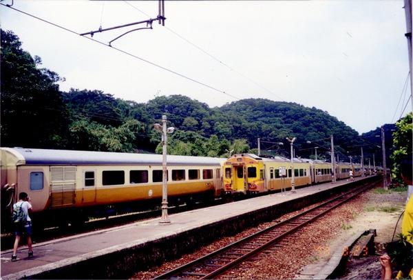 19980823勝興站1012交會1015.jpg