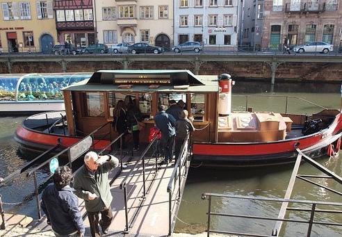 售票的船塢, 觀光船約15~30分鐘一班