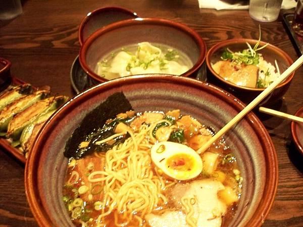 到日本當然要吃美食啦