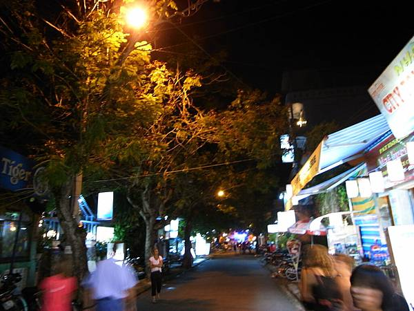 越南夜晚的街道