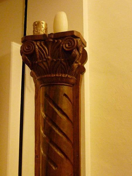 木雕柱子2.jpg