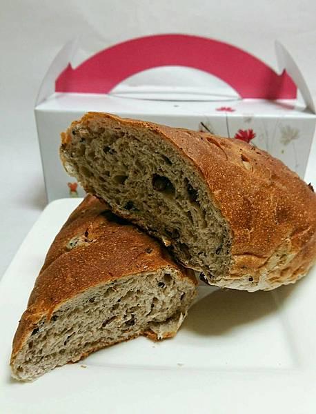 養身黑五類紅豆麵包.jpg