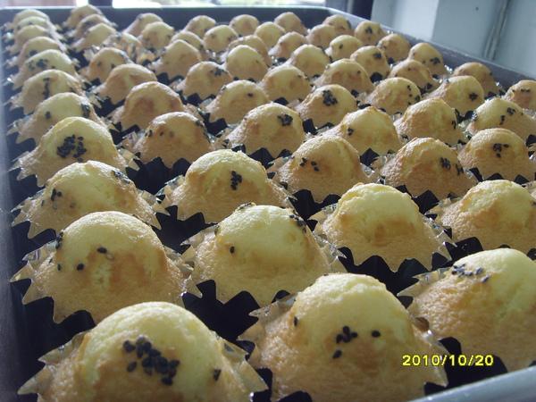 炸彈蛋糕團體照~.JPG