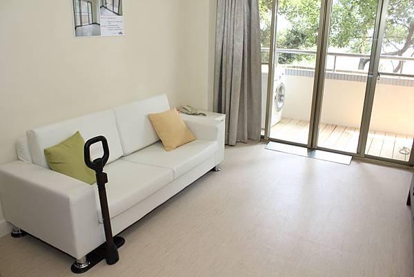 IMG_5470-居住空間和地板無落差,全齡通設計居住才能無障礙。