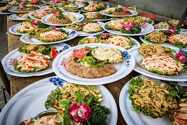 豐盛的桌菜