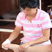 23-幫身障者進行腳掌關節活動不可少。
